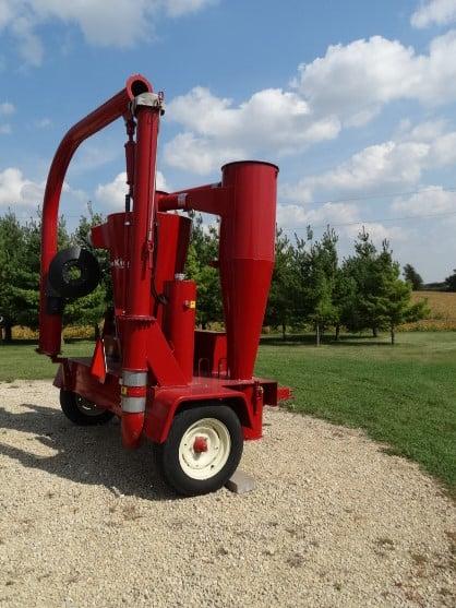 Used Farm King Grain Vac | Schultz's Inter-State Ag, Inc